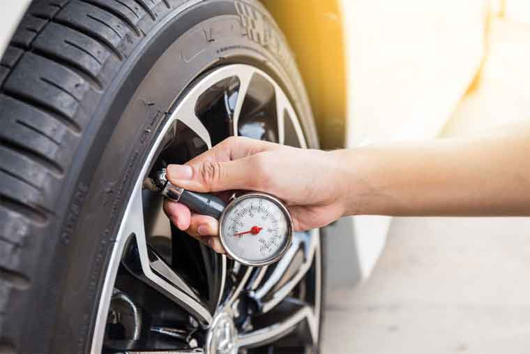 How to Use Digital Tyre Gauge?