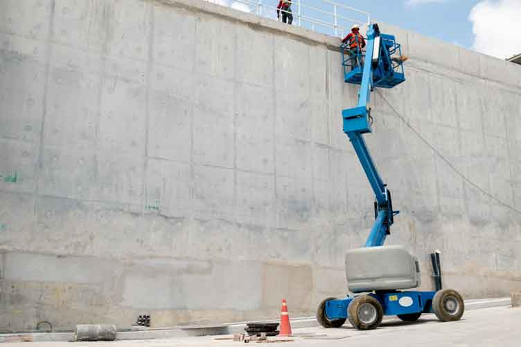 The Benefits of Working with a Boom Lift